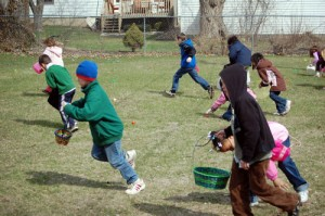 A scene from the 2009 Silver Lake Easter Egg Hunt.