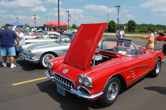 2013-hartnell-corvette-show-4