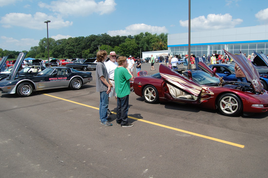 2013-hartnell-corvette-show-5