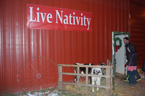 oakvue-farm-live-nativity-2013-1