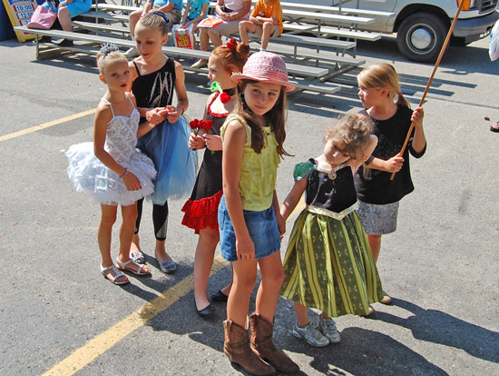 2014-fair-childrens-parade-4