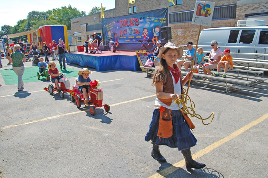 2014-fair-childrens-parade-5