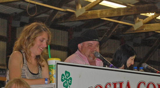 2014-fair-pie-auction-6