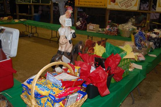 2014-fair-pie-auction-7