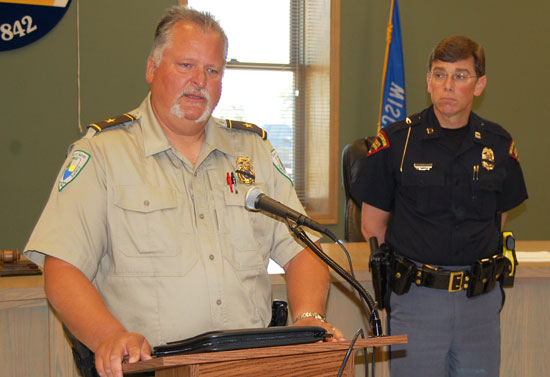 (From left) Salem Public Safety Department Chief David Shortess and Wisconsin State Patrol Capt. Timothy Carnahan.