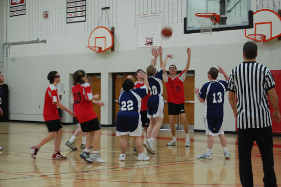 special-olympics-basketball-2013-13