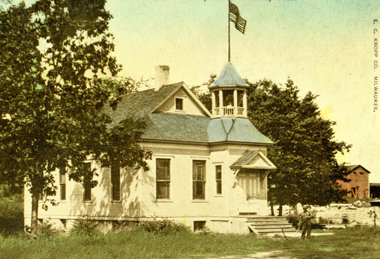 Twin Lakes Cottage School. /used with permission of the Western Kenosha County Historical Society
