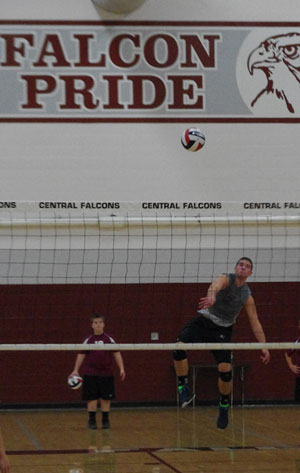 Brooks Gahart serving one of his aces vs Franklin. /David Thoss photo