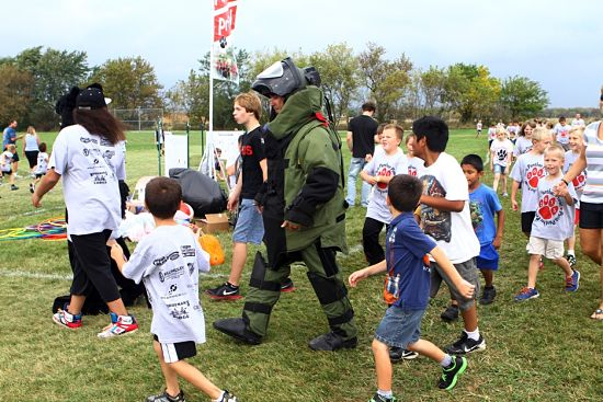 Kenosha County Sheriff's Department Detective Vincent Correa took a few laps of the prowl course in the protective bomb squad suit. /Earlene Frederick photo