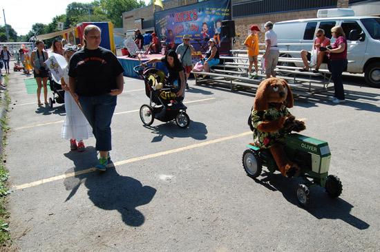 2014-fair-childrens-parade-1