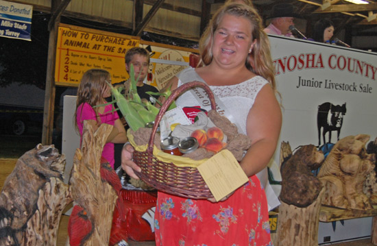 2014-fair-pie-auction-1