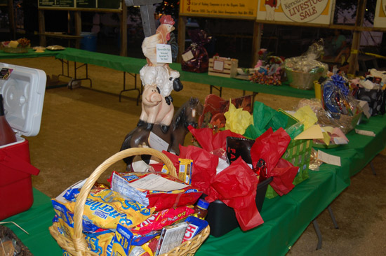 2014-fair-pie-auction-7