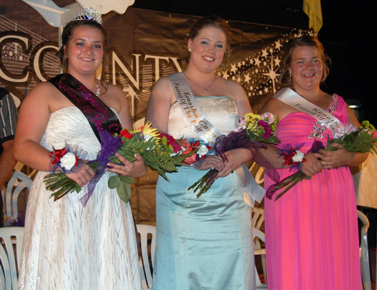 (From left)  2014 Fairest of the Fair Kristin Blume and court members Kathryn Wade and Jessica Meyer.