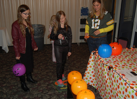 country-inn-special-needs-halloween-2015-3