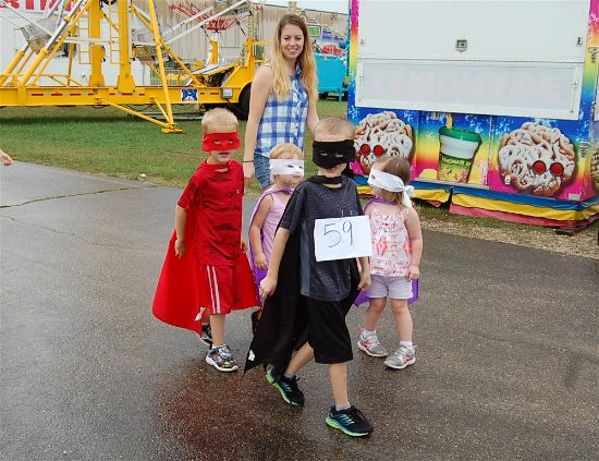 2016 fair kids parade 6-opt